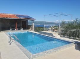 Holiday House Maslina