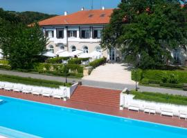Oasis Boutique Hotel, Riviera Holiday Club