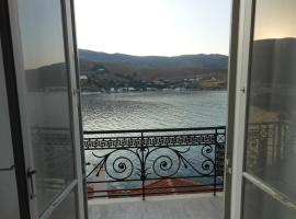 Mansion at Chora in Andros, Андрос (рядом с городом Steniaí)