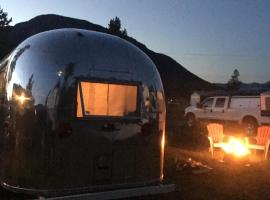 Vintage Airstream Accommodation, Canal Flats