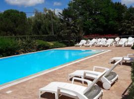 Reix Hotel Bessines, Bessines