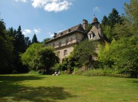 Gites Chateau le Bois, Saint-Julien-aux-Bois (рядом с городом Saint-Privat)