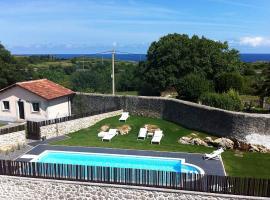 Hotel Villa Marrón, Naves