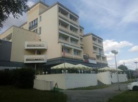 Hotel Lucia, Veselí nad Lužnicí (Borkovice yakınında)