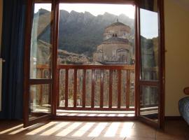 apartamentos turisticos san juan de la peña, Santa Cruz de la Serós (Javierregay yakınında)