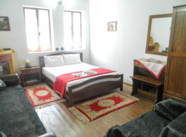 Guesthouse Klearchos, Палайос-Пентелеймонас (рядом с городом Áno Skotína)