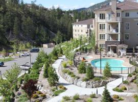 Pinnacle Pointe Resort by Discover Kelowna Resort Accommodations