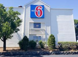 Motel 6 St. Louis Maryland Heights