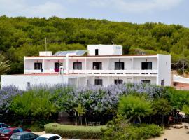 Hostal Alocs, Es Figueral Beach (Illa de Tagomago yakınında)