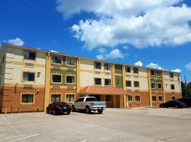 Motel 8, Groves