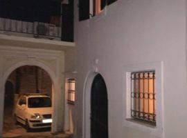 Charming Cottage in Corfu, Sinarádes (рядом с городом Kouramádes)