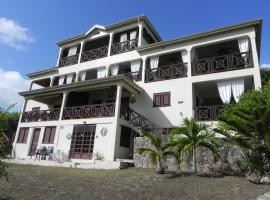 Villa Touloulou, English Harbour Town (Pattersons Dwelling House yakınında)