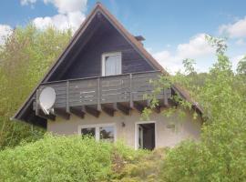 Three-Bedroom Holiday Home in Marienmunster, Marienmünster (Bredenborn yakınında)