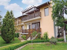 Four-Bedroom Holiday Home in Village Fazanovo, Fazanovo (Pismenovo yakınında)