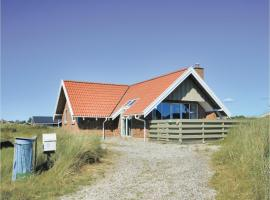 Three-Bedroom Holiday Home in Ringkobing, Ringkøbing (Søndervig yakınında)