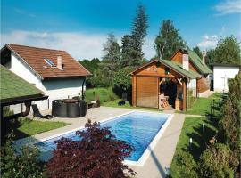 Two-Bedroom Holiday Home in Brezovica, Brezovica (рядом с городом Kraljevec Kupinečki)
