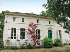 Holiday Home St Medard De Mussidan Rue De Piquenat, Saint-Martin-l'Astier (рядом с городом Saint-Laurent-des-Hommes)