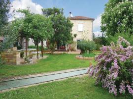 Holiday Home Les Marronniers, Colayrac-Saint-Cirq (рядом с городом Sainte-Colombe-en-Bruilhois)