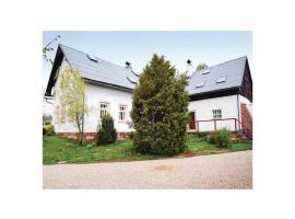 Four-Bedroom Holiday Home in Hostinne, Hostinné (Mostek yakınında)