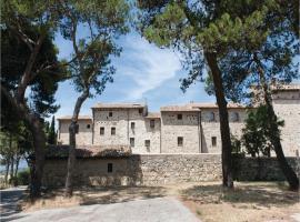 Apartment Petroro- Todi with Fireplace I, Petroro (Due Santi yakınında)