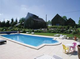 Holiday home Thourie 93 with Outdoor Swimmingpool, Thourie (рядом с городом Le Theil-de-Bretagne)