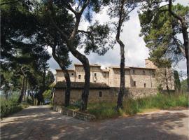 Apartment Petroro- Todi with Fireplace II, Petroro (Due Santi yakınında)
