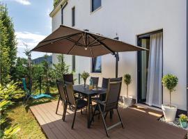 Two-Bedroom Apartment in Rijeka, Turan