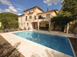 Six-Bedroom Holiday Home in Fayence