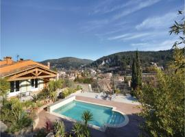 Three-Bedroom Holiday Home in Sollies Taoucas, Solliès-Toucas