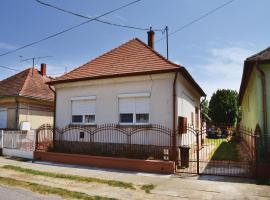 Three-Bedroom Holiday Home in Balatonujlak, Balatonújlak (рядом с городом Kéthely)
