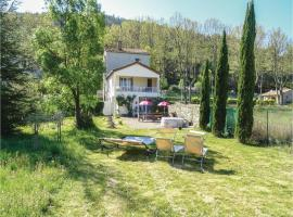 Three-Bedroom Holiday Home in Villen. les Corbieres, Villeneuve-les-Corbières (рядом с городом Cascastel-des-Corbières)