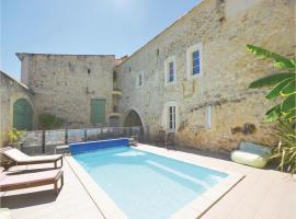 Four-Bedroom Holiday Home in Sauzet, Sauzet (рядом с городом Montignargues)