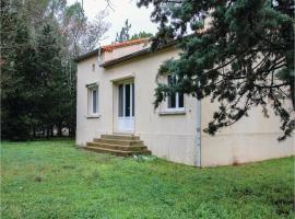 Three-Bedroom Holiday Home in Villetelle, Villetelle (рядом с городом Vérargues)