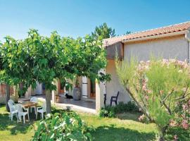 Holiday home Allee De L'Oustalet, Charleval (рядом с городом Brame-Jean)