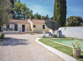 Holiday home Vaqueyras 13 with Outdoor Swimmingpool, Vacqueyras (рядом с городом Violès)
