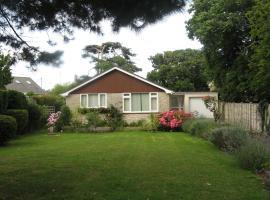 Pine Lodge, Milton