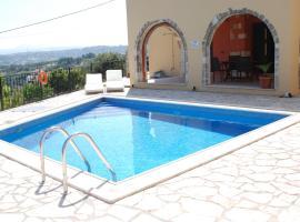 Villa Ariadne, Kástellos