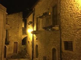 San Nicolò Holiday Home, Montalbano Elicona (San Piero Patti yakınında)