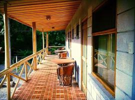 Nakanku Lodge, Marbella (San Juanillo yakınında)
