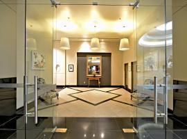 One Bedroom Apartment on Queen Street
