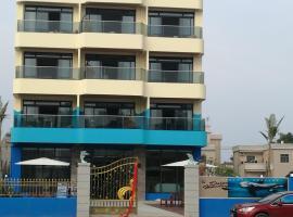 Blue Dolphin Holiday Apartment, Huidong (Gangkou yakınında)