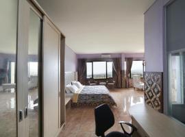 Hotel Fafa Hills Gunung Geulis, Богор (рядом с городом Gununggeulis)