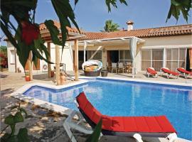 Three-Bedroom Holiday Home in Vilacolum, Vilacolum (Siurana yakınında)