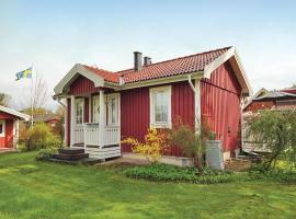 Four-Bedroom Holiday home with a Fireplace in Sölvesborg, Hällevik