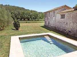 Holiday home Crta J-551, Cabanellas (рядом с городом Vilert)