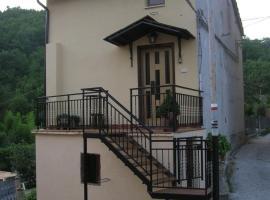 La casa romantica, Montefortino