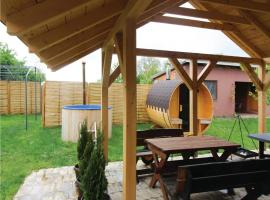Two-Bedroom Holiday Home in Draz, Draž