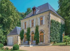 Four-Bedroom Holiday Home in St. Chr. sur le Nais, Saint-Christophe-sur-le-Nais