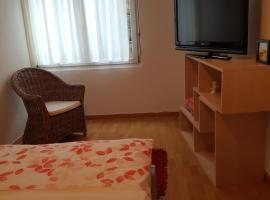 Room Women only, Thun (Gwatt yakınında)