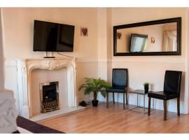 Comfortable stay in a cosy house, Liverpool